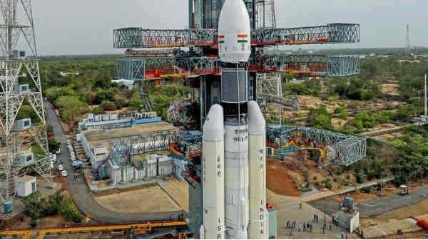चंद्रयान 2: कुछ ही देर बाद होगा लॉन्च, यहां देखें लाइव लॉन्चिंग