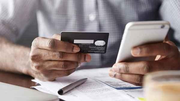 13 लाख भारतीयों के डेबिट/क्रेडिट कार्ड डिटेल चोरी, अपने अकाउंट को ऐसे करें सुरक्षित