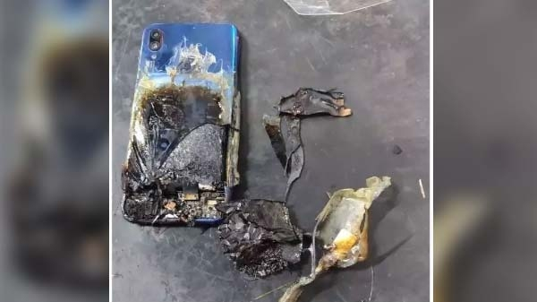 Redmi Note 7S में लगी आग और बन गया बर्निंग स्मार्टफोन, कंपनी ने कहा यूज़र की गलती
