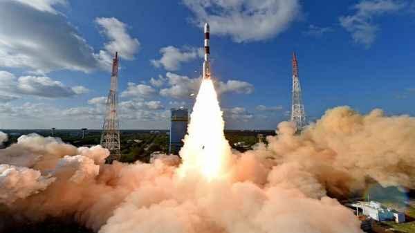 इसरो का नया सैटलाइट लॉन्च, जानिए कैसे अंतरिक्ष से होगी भारत की सुरक्षा