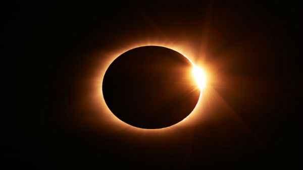 इस साल की आखिरी सूर्य ग्रहण हुआ शुरू, जानें सारी डिटेल