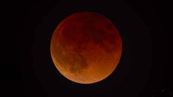 2020 के पहले चंद्र ग्रहण को देखने के लिए हो जाएं तैयार, जानें तारीख और समय