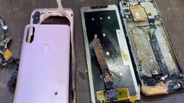 यह भी पढ़ें:- Redmi Note 6 Pro में लगी आग, जानिए शाओमी कंपनी ने इस घटना पर क्या कहा...!