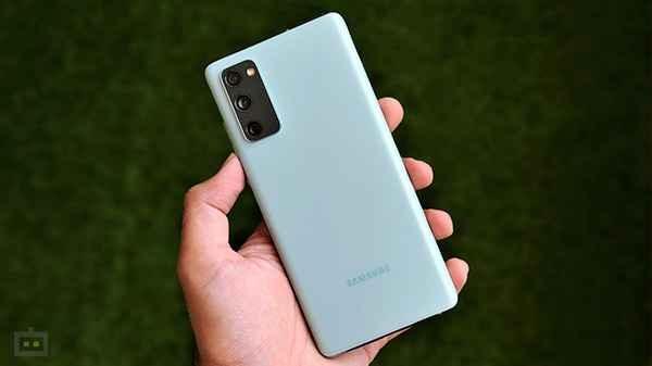 Samsung Galaxy S20 FE स्मार्टफोन का नया वेरियंट लॉन्च, जानें क्या है खास