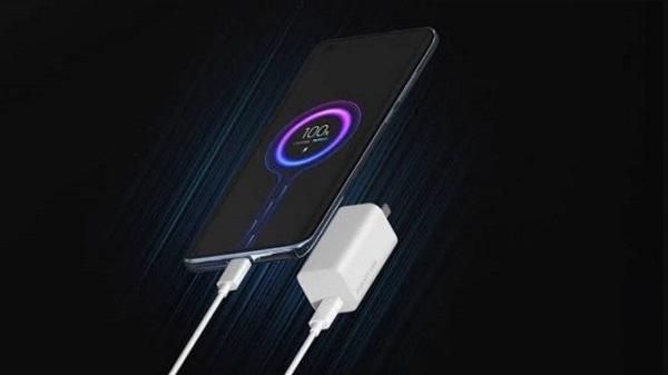 यह भी पढ़ें:- 200W के फास्ट चार्जर के साथ आएगा यह स्मार्टफोन, सिर्फ 10 मिनट में बैटरी होगी फुल चार्ज