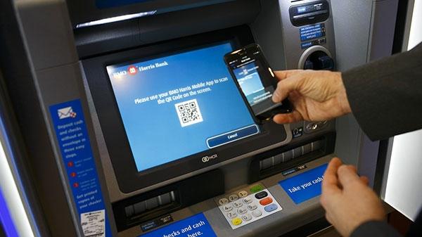 डेबिट कार्ड का इस्तेमाल किए बिना एटीएम से पैसे कैसे निकालें