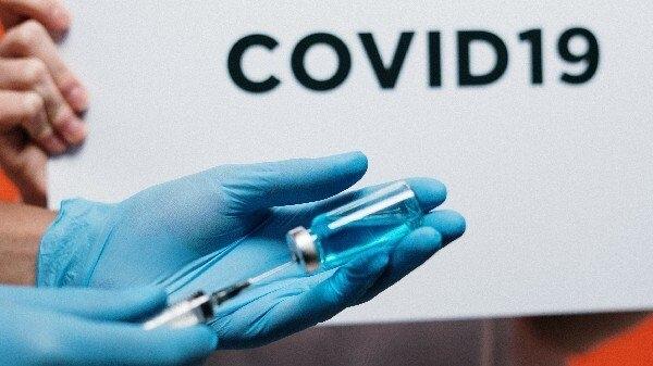 COVID-19 वैक्सीन के लिए खाली स्लॉट ढूंढ रहे है? अपनाइए ये CoWIN टिप्स