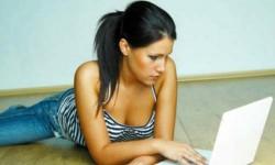 फेसबुक में सबसे ज्यादा क्या करते हैं लड़के-लड़कियां