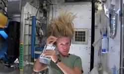 देखें वीडियो: अंतरिक्ष में कैसे होती है इनकी सुबह