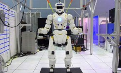 नासा ने बनाया ऑयरन मैन की तरह सुपरहीरो रोबोट