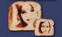आ गया सेल्फी टोस्टर, ब्रेड में छापिए अपनी फोटो