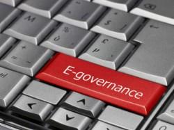 नरेंद्र मोदी: देश को सबसे पहले मोबाइल के बारे में सोचना होगा