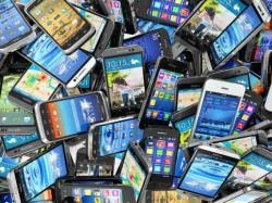 सस्ता स्मार्टफोन लेने जा रहे हैं तो इन 5 बातों का ख्याल रखें