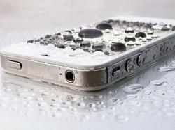 फोन पानी में गिर जाए तो करें ये उपाए!