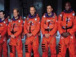 अंतरिक्ष यात्री क्यों पहनते हैं औरेंज और व्हाइट स्पेससूट?