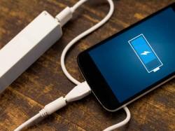 स्मार्टफोन को चार्ज करने का सबे तेज तरीका, 3 सेकंड में चार्ज हो जाएगा फोन!