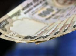 पुराने 500 रुपए के नोट से करवा सकते हैं रिचार्ज, जल्दी करें!