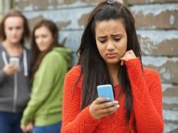 क्या आपका एंड्रायड फोन भी चार्ज होने में घंटों का समय लगाता है?