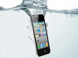 अगर गीला हो जाए स्मार्टफोन, तो सबसे पहले करें ये काम !