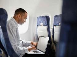 फ्लाइट में बैन किए जा सकते हैं लैपटॉप, जानिए क्यों