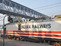 वेटिंग टिकट कंफर्म होने की संभावना भी बताएगा रेलवे का ये ऐप
