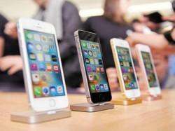 सरकार ने स्मार्टफोन पर कस्टम ड्यूटी को बढ़ाकर 15% किया
