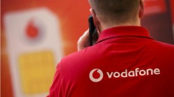 Vodafone दे रहा है 235.2GB डेटा, जियो को मिलेगी टक्कर