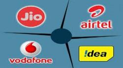 Jio से जुड़े 1.05 करोड़ नए यूजर्स, एयरटेल, वोडा-आइडिया की बढ़ी समस्या