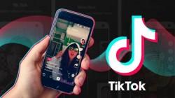 टिकटॉक पर लोकप्रिय होने के लिए दो अनजान लड़कियों का वीडियो बनाकर किया वायरल