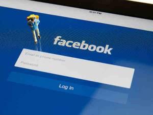 10 कारण क्यों बंद कर देना चाहिए फेसबुक का इस्तेमाल