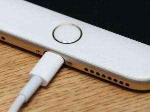 स्मार्टफोन चार्ज करने से पहले जरा जान ले काम की ये बातें
