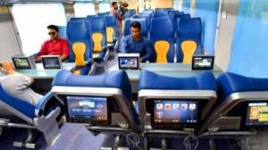 भारतीय रेलवे अब यात्रियों को चलती ट्रेन में देगी एक खास फ्री सुविधा