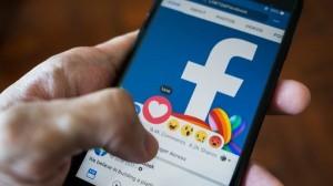 कोविड वैक्सीन से चिंपैंजी बनने की अफवाह फैलाने वाले 300 अकाउंट को फेसबुक ने किया ब्लॉक